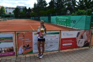 Vítězka dvouhry, Přibylová Veronika (TK Olymp Praha)